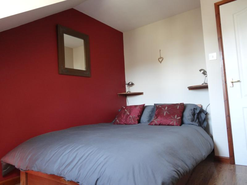 Double Bedroom, View to sea/lundy