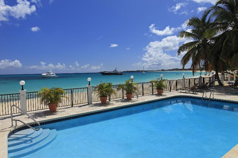 SBBC #3, 2BR beachfront vacation condo rental, Simpson Bay, St Maarten