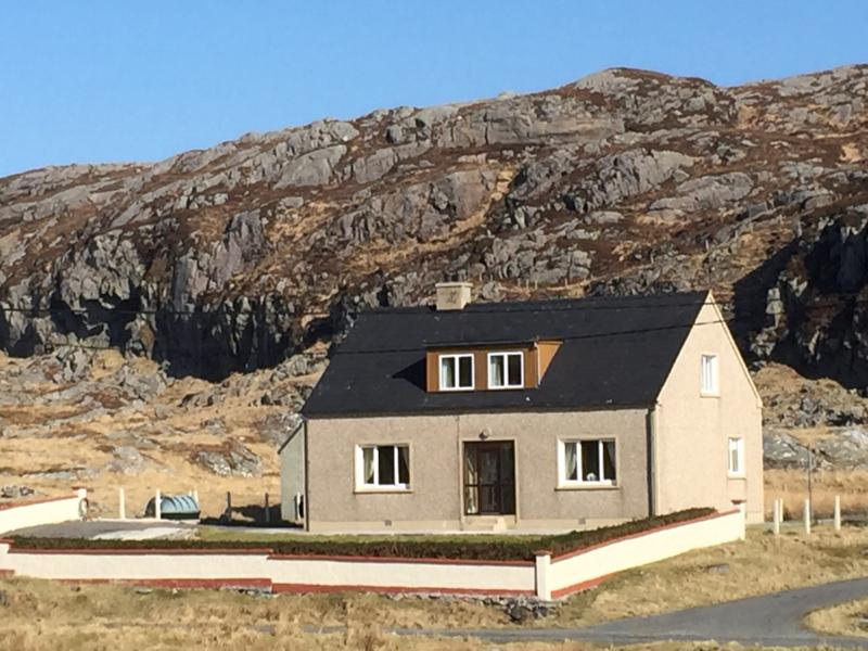 Tigh a' Chreagain 2 Geocrab Isle of Harris, vacation rental in Lewis and Harris