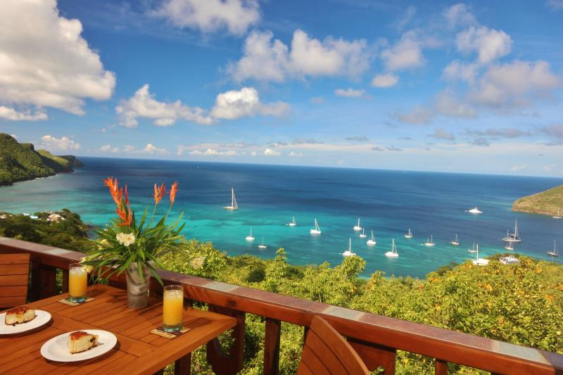 *HIBISCUS* Bequia's No 1 Boutique 5* Property*, vacation rental in Lower Bay