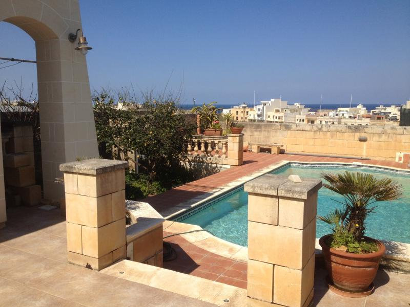 Open Plan apartment ideal for a relaxing stay, vakantiewoning in eiland Malta