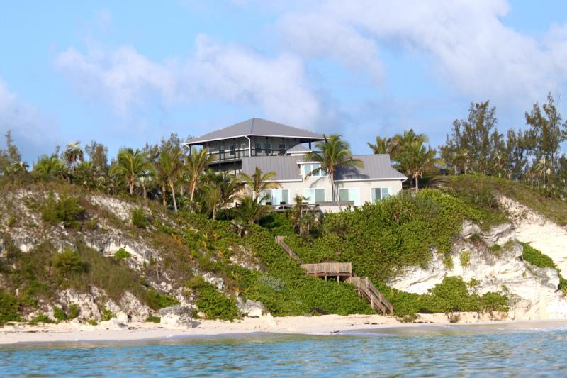 Two Villas Nestled On A Cliff, With The Most Beaut, holiday rental in North Palmetto Point