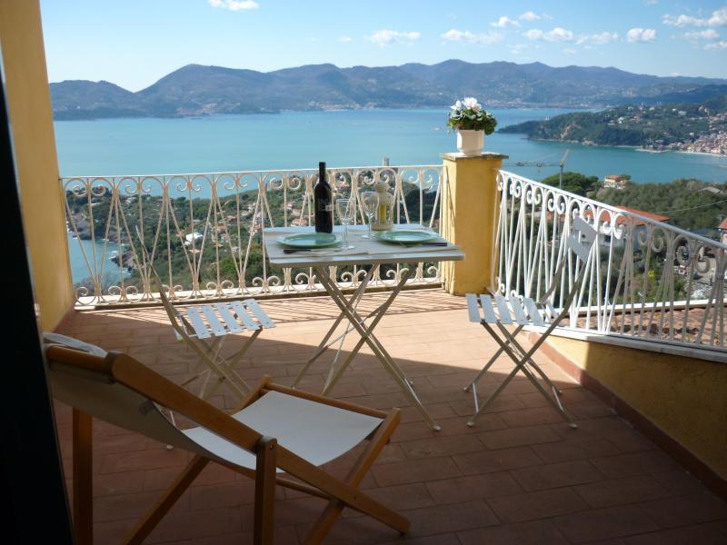 Flat in La Serra Lerici,5 Terre, vacation rental in Lerici