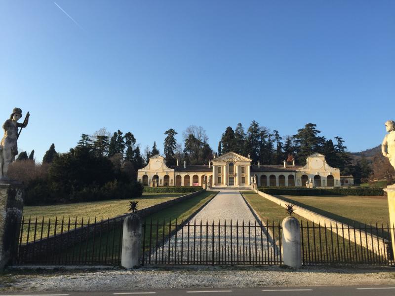 Palladianische Villa Barbaro di Maser (10 Minuten Fahrt)