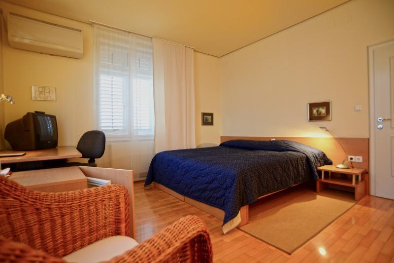 Double quarto (ou duas camas singels) sala Nr. 5