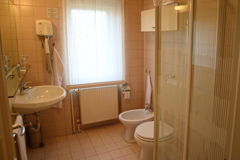 banheiro no quarto Nr. 5
