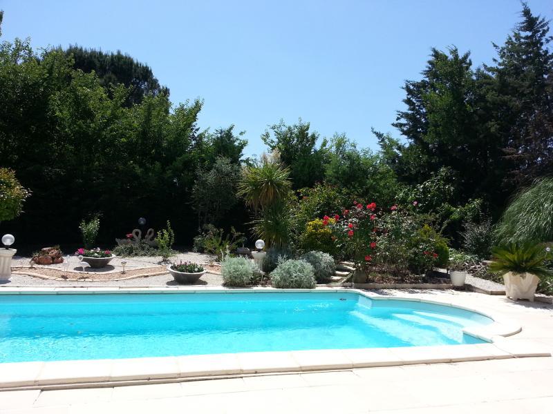 piscina sin tornillos tornillos y hermosa playa