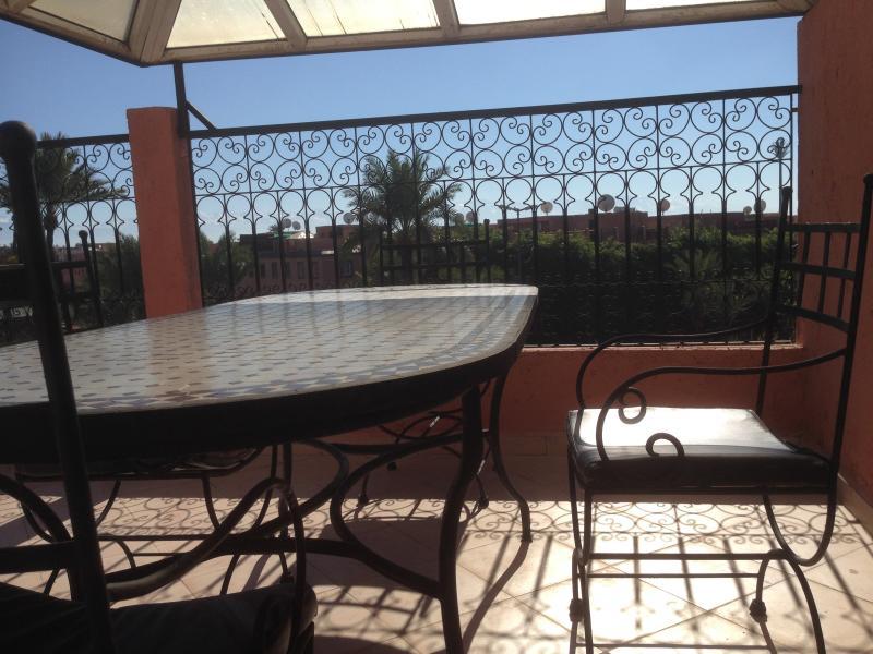 terrasse prive accés dans l'appartement vue splendide dégagé sur la medina a couper le souffle