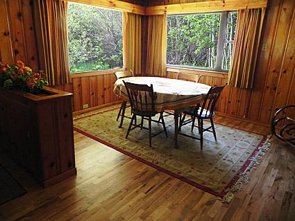 Dining Room Seats up to 4