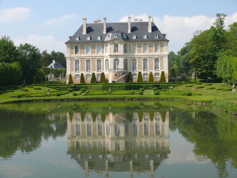 area: Vendeuvre castle