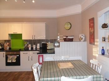 COUNTRY COTTAGE APARTMENT, holiday rental in Llandudno