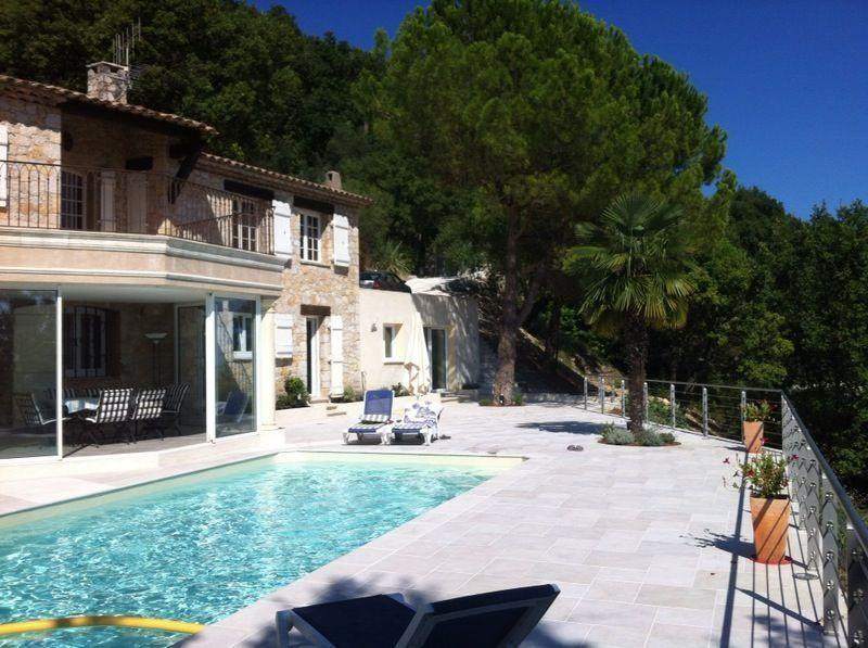 Beautiful villa with pool and fantastic view, location de vacances à Grasse