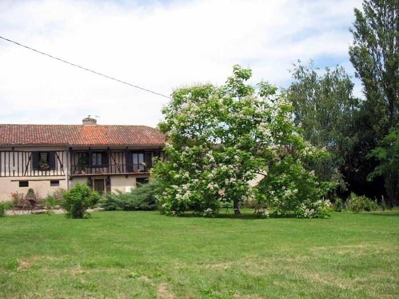 A Timbered house in Mielan, holiday rental in Berdoues