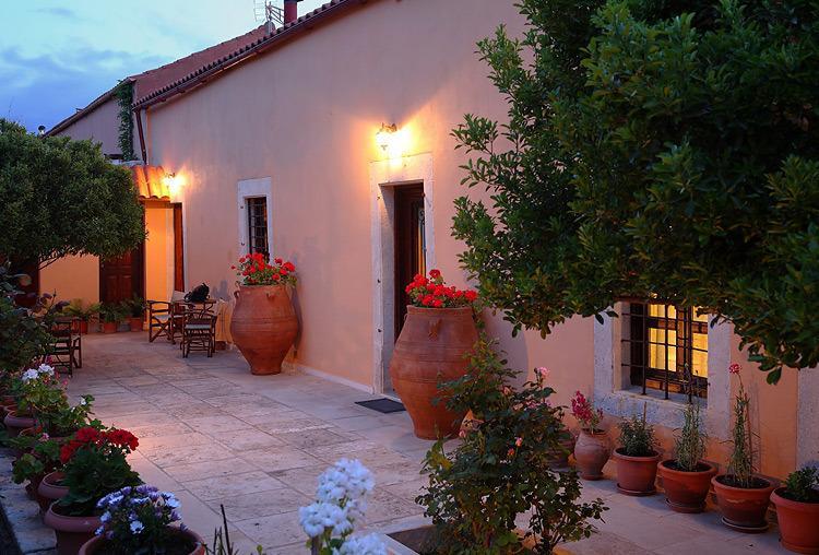 ARHONTIKO IN ARCHANES, vacation rental in Vasilies