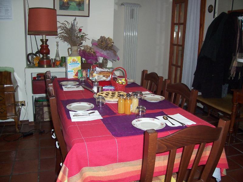 Da Betta - Bed&Breakfast close to Trade Fair - Ext, holiday rental in Longara