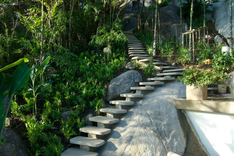 Residencia privada que con éxito, difumina las líneas entre arquitectura y naturaleza