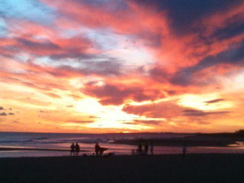 La puesta del sol en nuestra playa