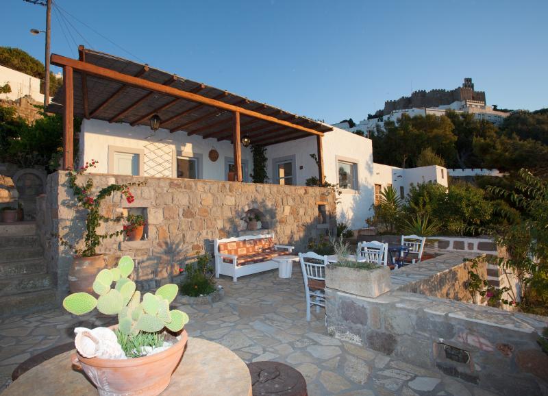 traditional villa chora patmos, casa vacanza a Grikos