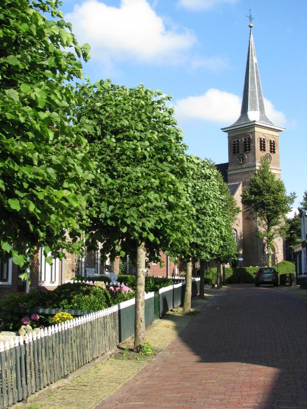 Holiday home Unia Zathe near Dokkum, street to church 'grutte loane'