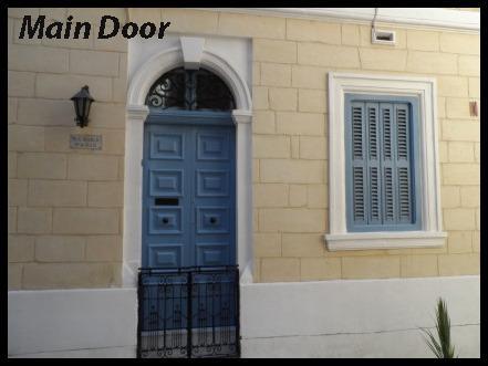 Eingangstür der Wohnung