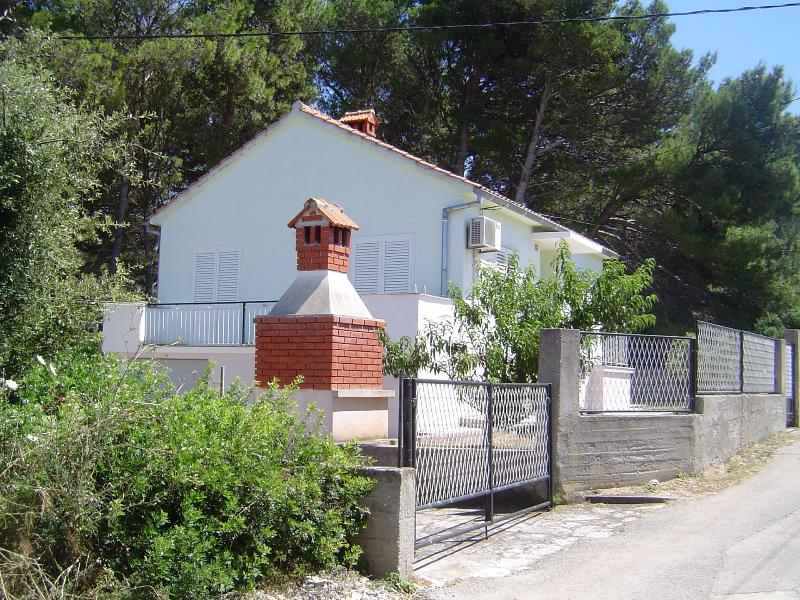 VEKY - 50m from sea: Holiday House H(4+2) - Susica, holiday rental in Susica