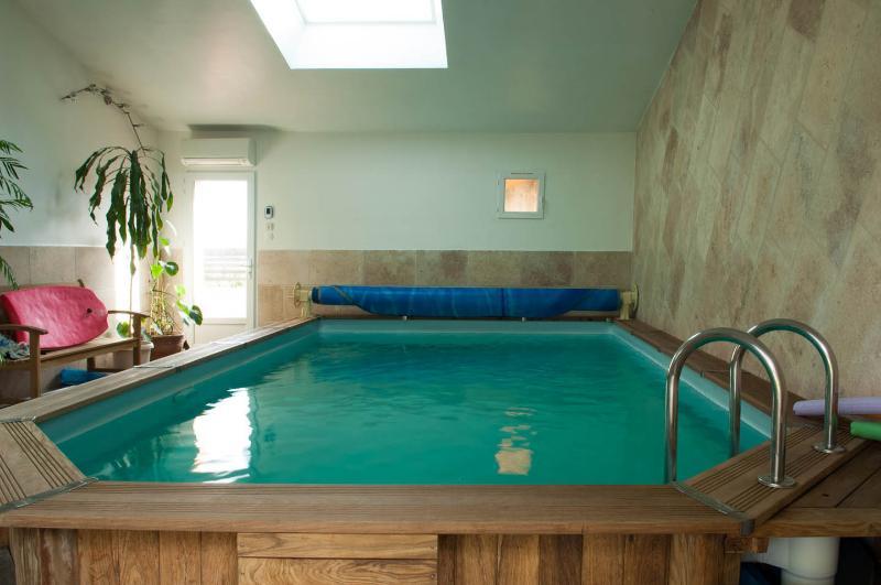 LA PETITE MAISON SOUS LES PINS ,AIX EN PROVENCE, vacation rental in Aix-en-Provence
