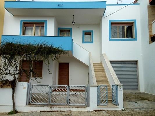 Casa Ciardo-Torsello: 12 posti letto a 300m dal mare., vacation rental in Ugento