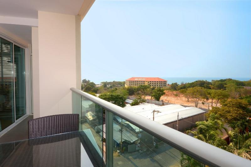 Nice balcony and seaview