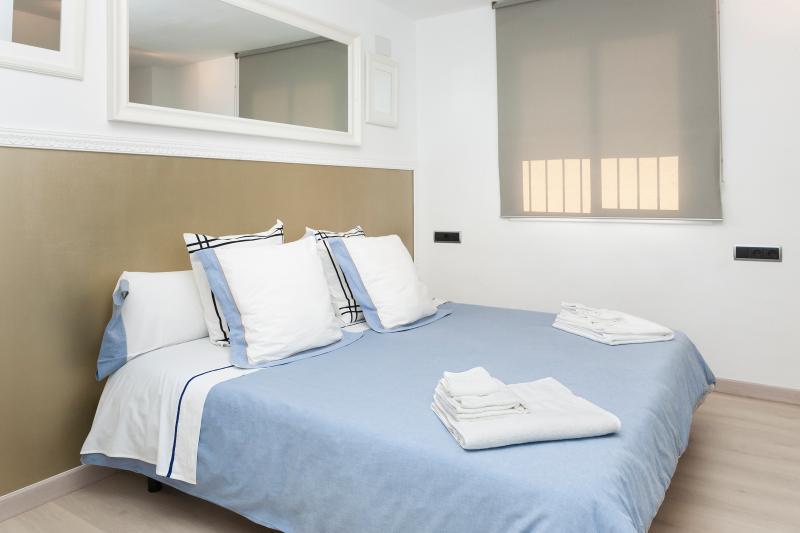 Habitación doble con cama 180 cm.