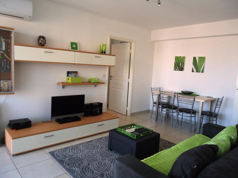 Antibes Plaza - boutique apartment near Antibes Old Town, location de vacances à Antibes