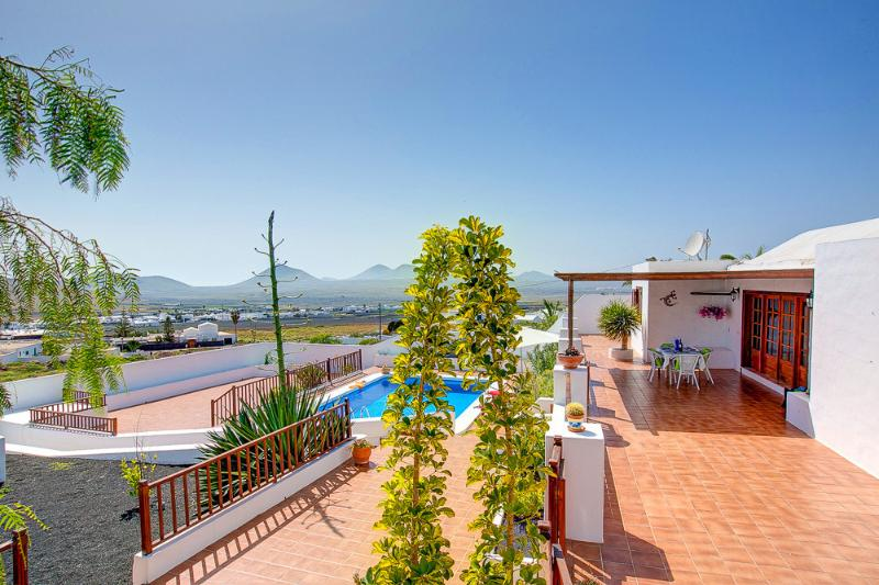 CASA CONCHA, holiday rental in Nazaret