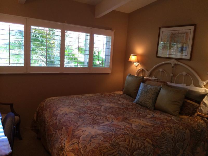 Chambre avec lit king size.