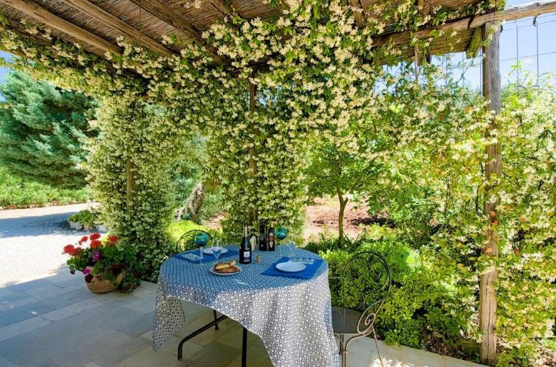 Outdoor living, Italian style with Gas BBQ