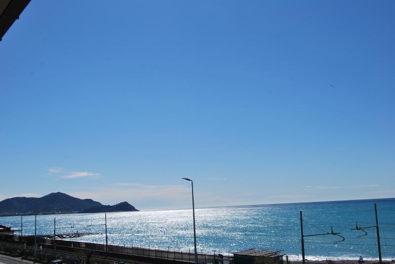 CASA LETIZIA : 100% sea, location de vacances à Ne