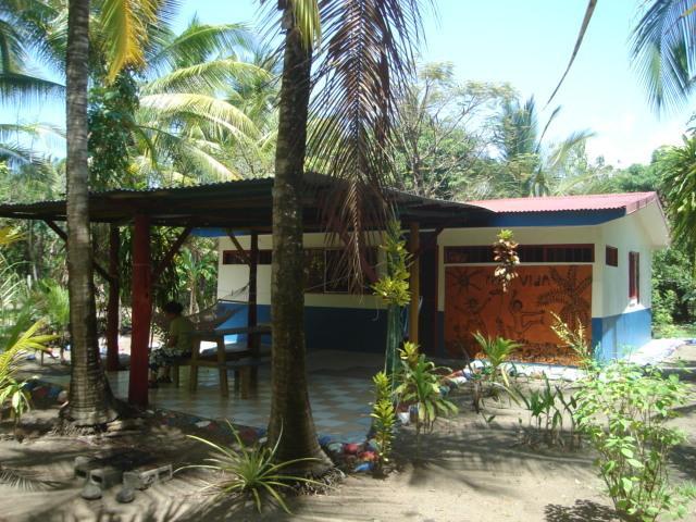 Jolly's Villa Kunterbunt, alquiler vacacional en Parrita
