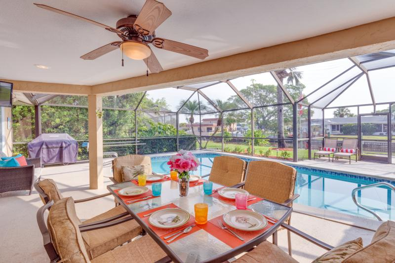 Dining on the Lanai, Poolside Alfresco