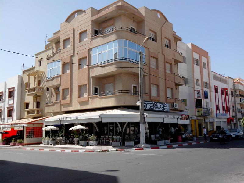 BY RACHID, NICE APARTMENT WITH 2 BIG BALCONY AND PANORAMIC VIEW., alquiler de vacaciones en Ait Melloul