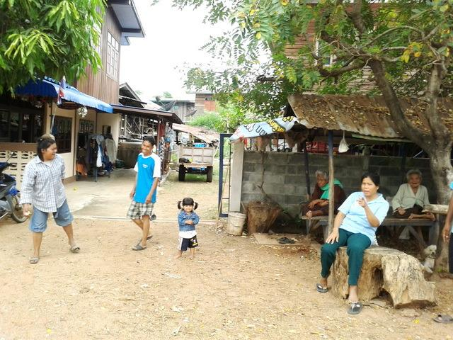 see tourist free authentic villagers life