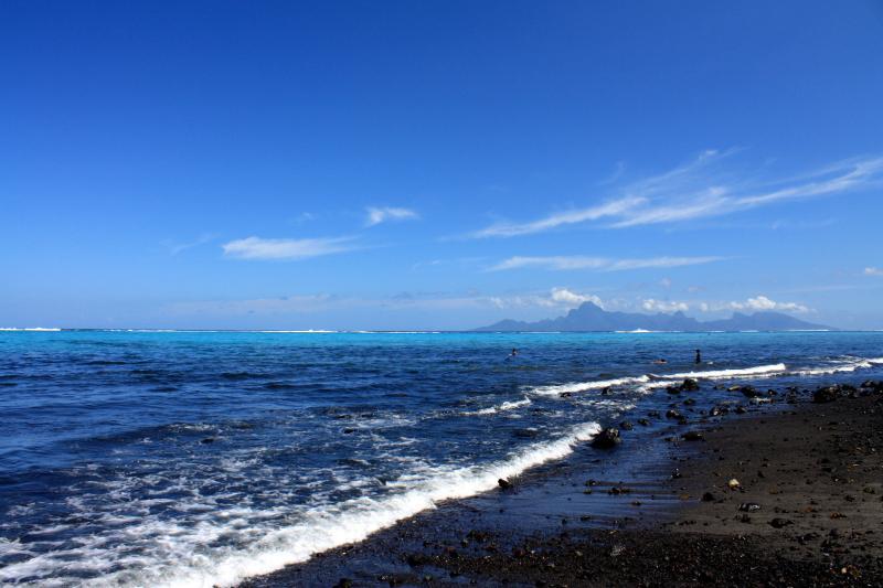 Al borde del mar, la laguna y Moorea