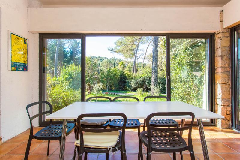 Dining room with verdant panoramic views