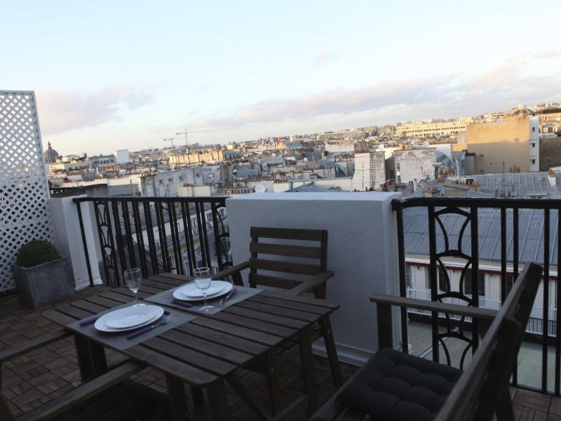 A terrace to eat and enjoy the view and the sunset
