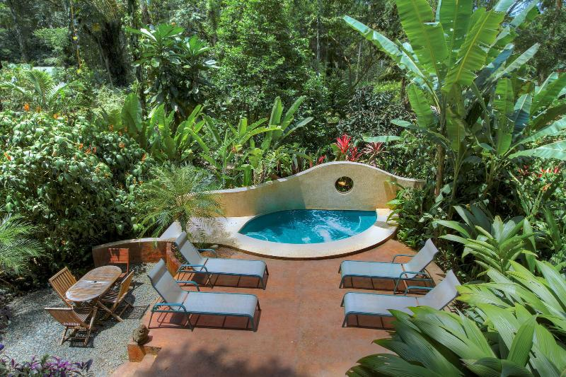 Geckoes Lodge Friends/Family Luxury Villa with Private Pool nr Beautiful Beaches, location de vacances à Cocles