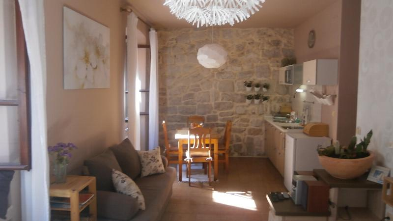 Leut Apartment UPDATED 2019: Studio Apartment in Korcula Town with