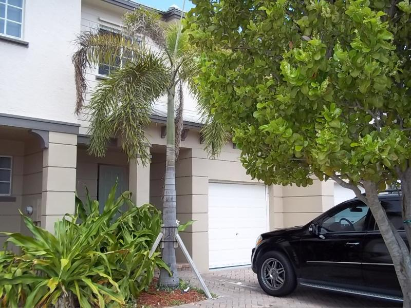 Townhouse by the lake, holiday rental in Loxahatchee
