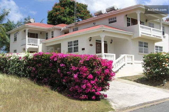 LYNLY MANOR  A GREAT BARBADOS VACATION, vacation rental in Mullins