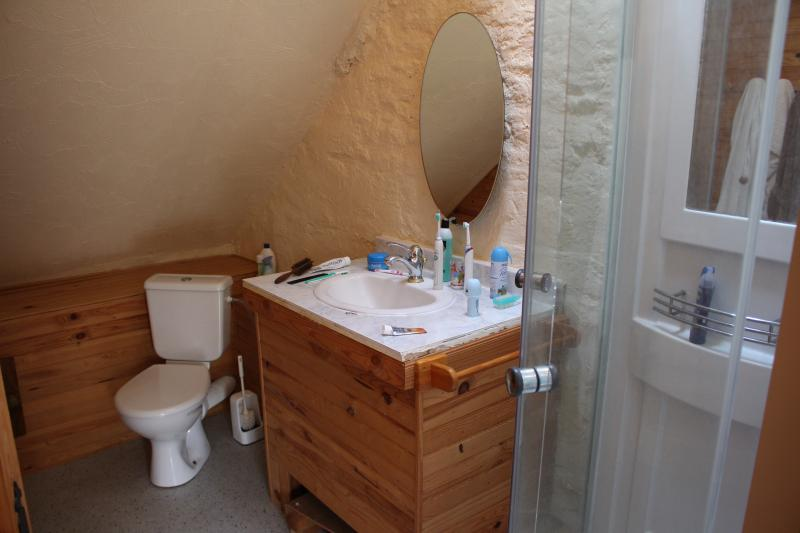 en suite for main bedroom