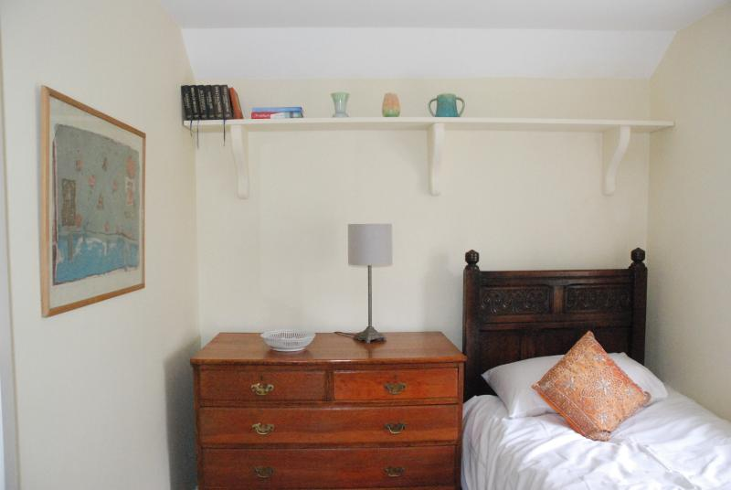 Snug single room, a jack 'n' Jill room adjacent to 3rd bedroom that will have a double bed in.