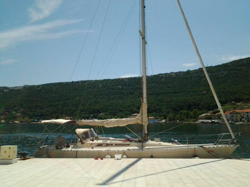 Yacht Cruise with free skipper, holiday rental in Cavle