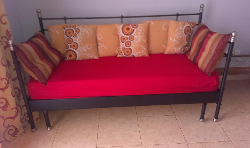 sofa cama del apartamento