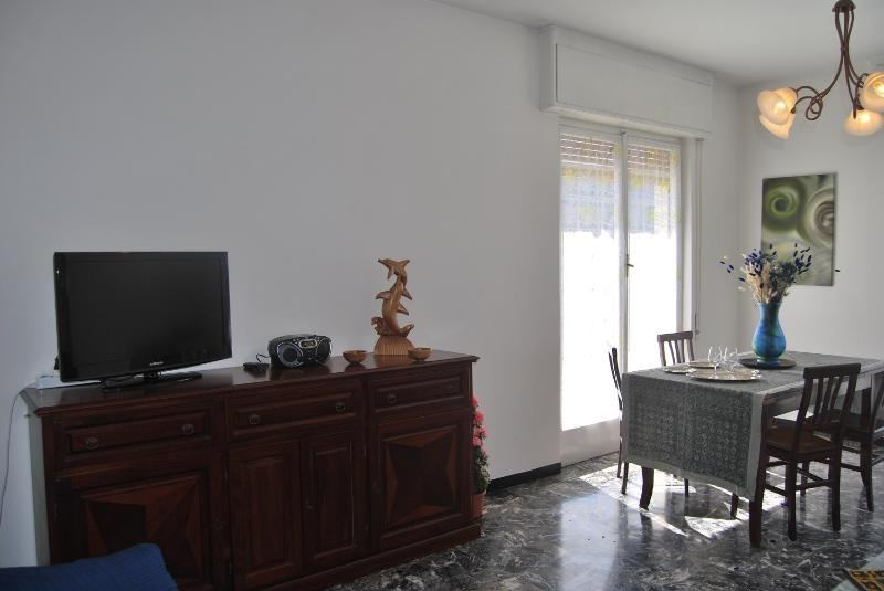 CASA EMY : penthouse-garage-Wi-Fi - AC ., holiday rental in Rapallo